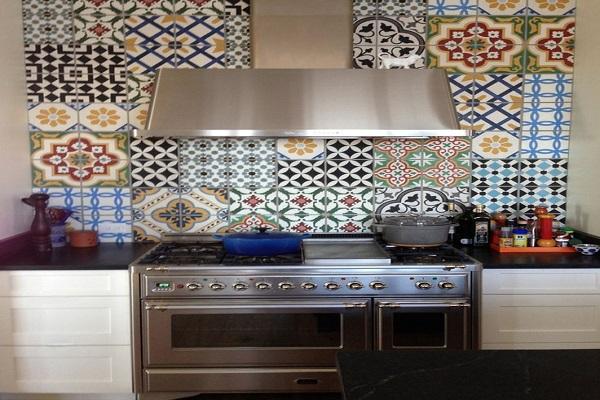 Nuovo stile con piastrelle marocchine e azulejos casa
