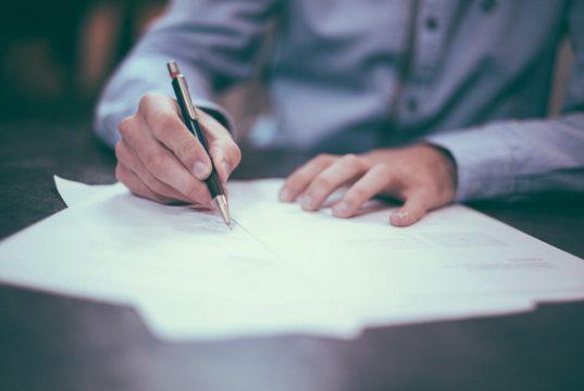 contratto secondo la legge